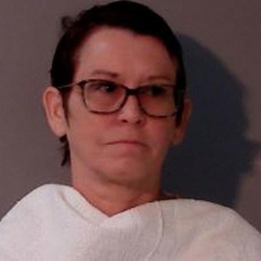 Exprofesora de secundaria se declara culpable de realizar actos sexuales con un estudiante