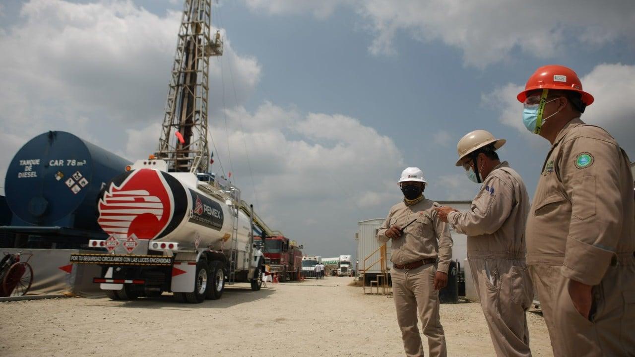 AMLO anuncia hallazgo yacimiento petróleo Tabasco