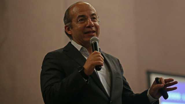 Denuncian Felipe Calderón FGR traición a la patria