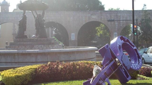 En Morelia destruyeron la Antimonumenta contra los feminicidios, esto sucedió tras la marcha del Día Intenacional de la Mujer.