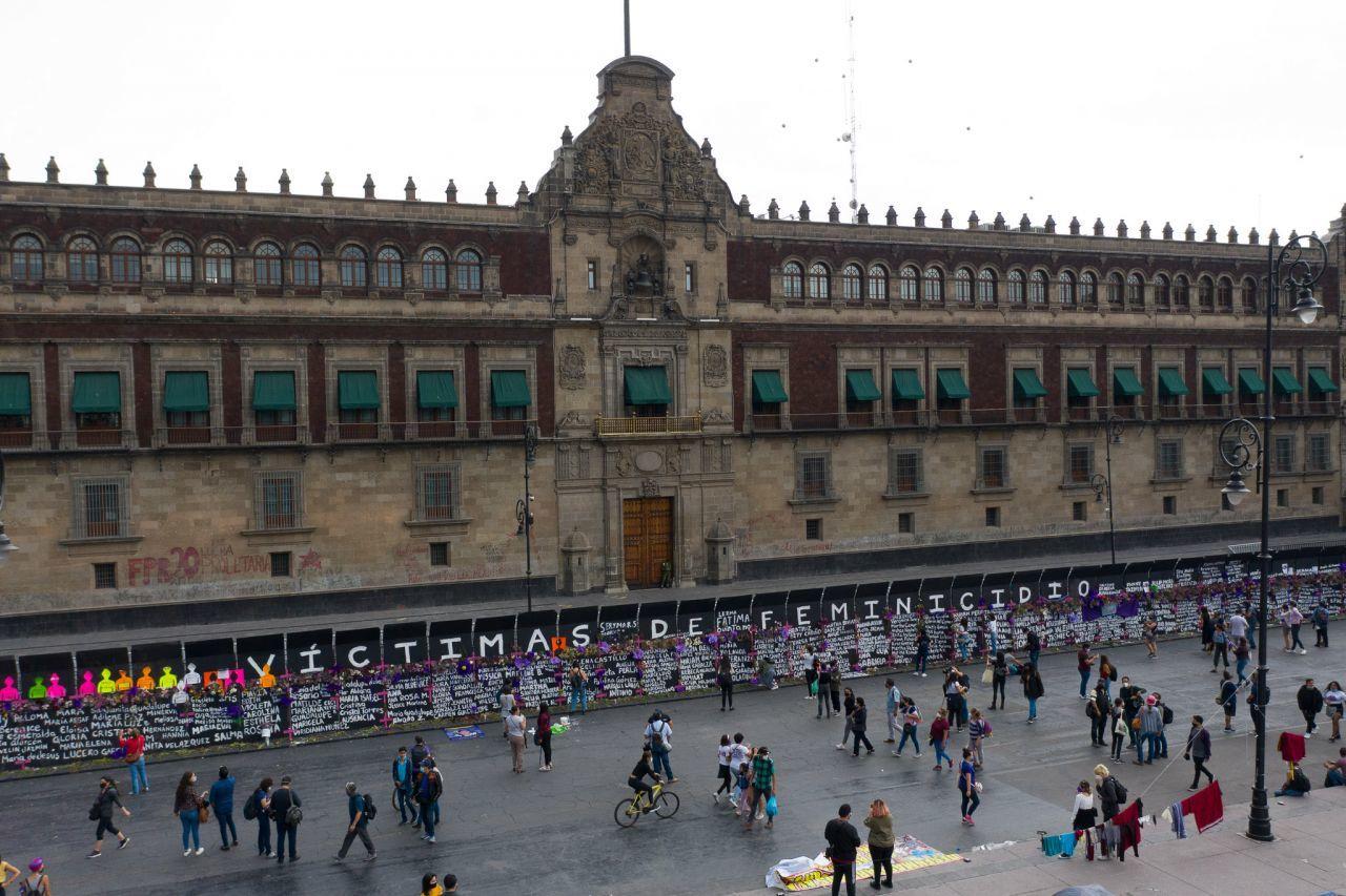 La consigna ya se escuchó en el Zócalo de la Ciudad de México y recorre la capital