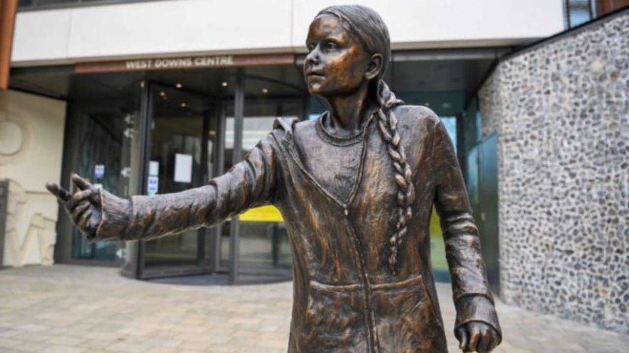 Greta Thunberg sueca estatua Reino Unido