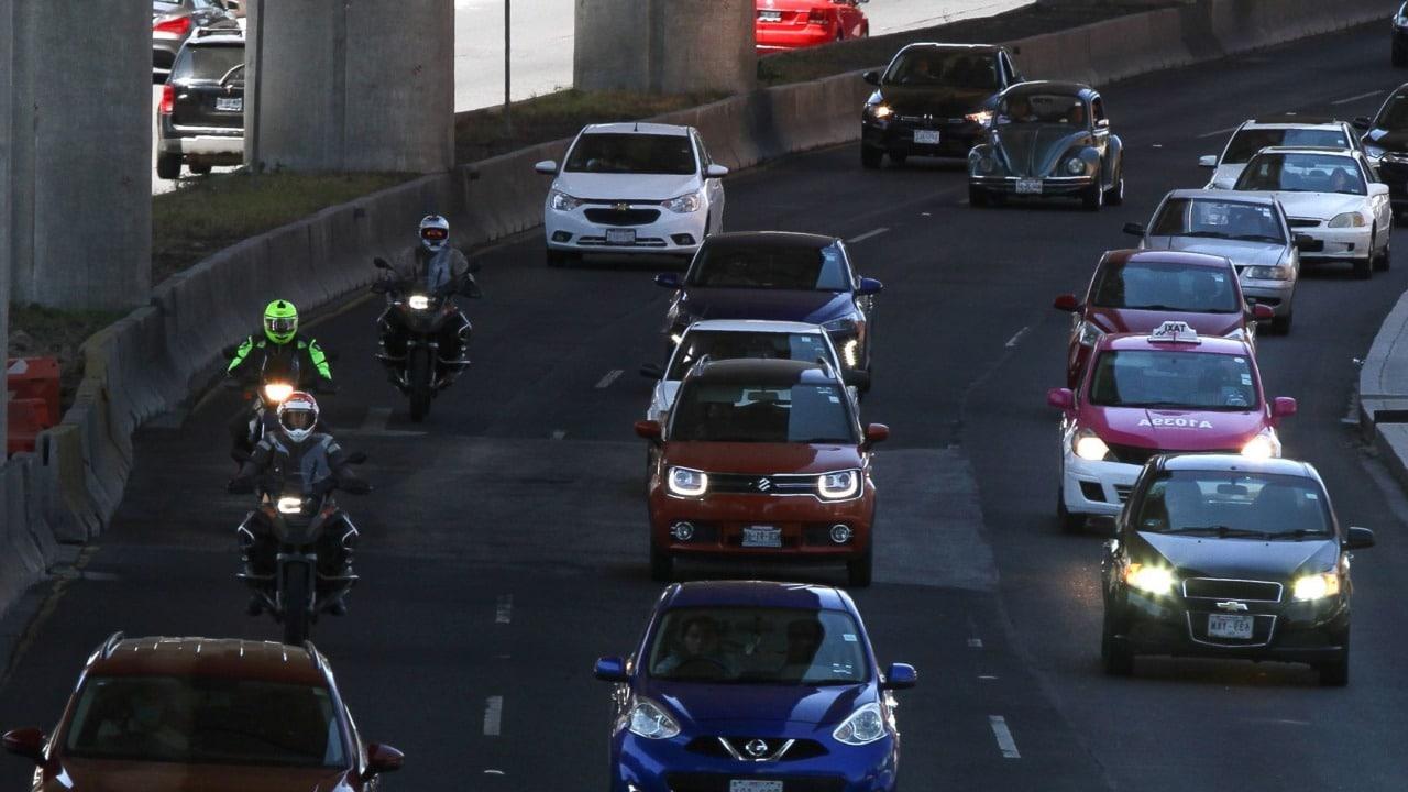 Hoy no Circula viernes 12 de marzo autos