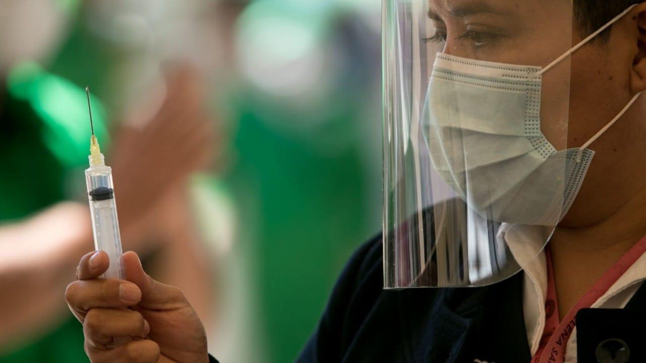 Mujeres católicas rechazan vacunas COVID-19 contaminadas aborto