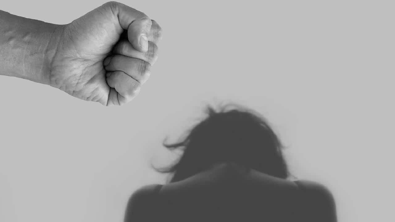 Una mujer fue secuestrada y golpeada por miembros del Cártel de Guerreros Unidos
