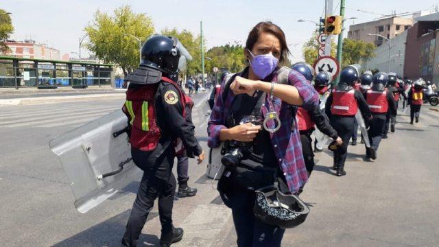 En redes sociales, usuarios denuncian arrestos y agresiones contra mujeres periodistas