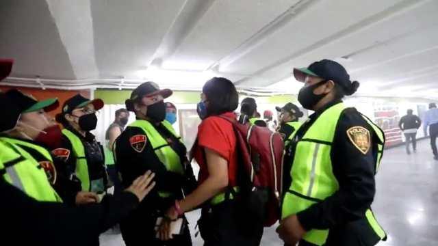 SSC CDMX investiga agresiones contra periodistas marcha 8M