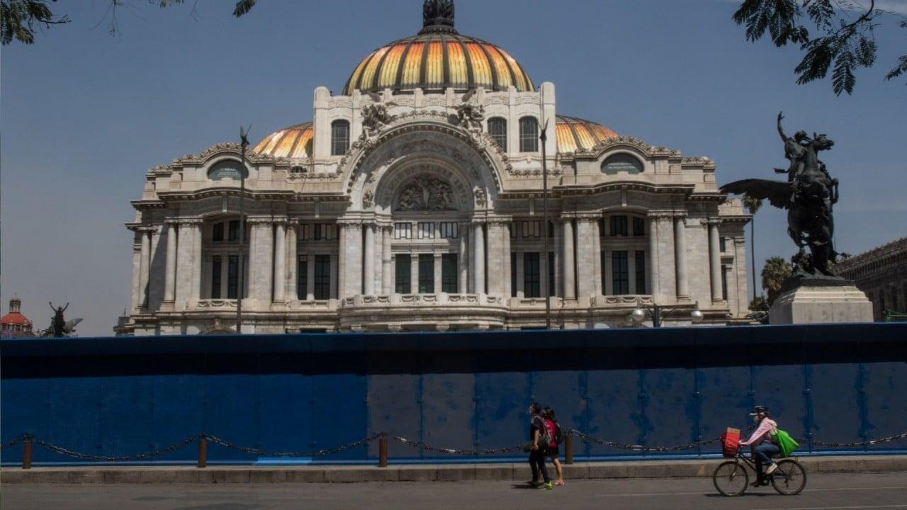 Blindan Palacio Nacional Vallas Metálicas Marcha Feminista 8M
