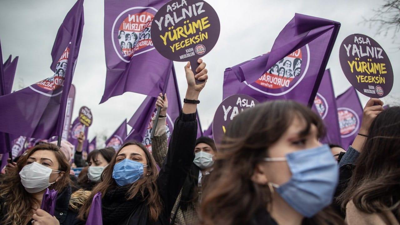 marcha feminista turquia