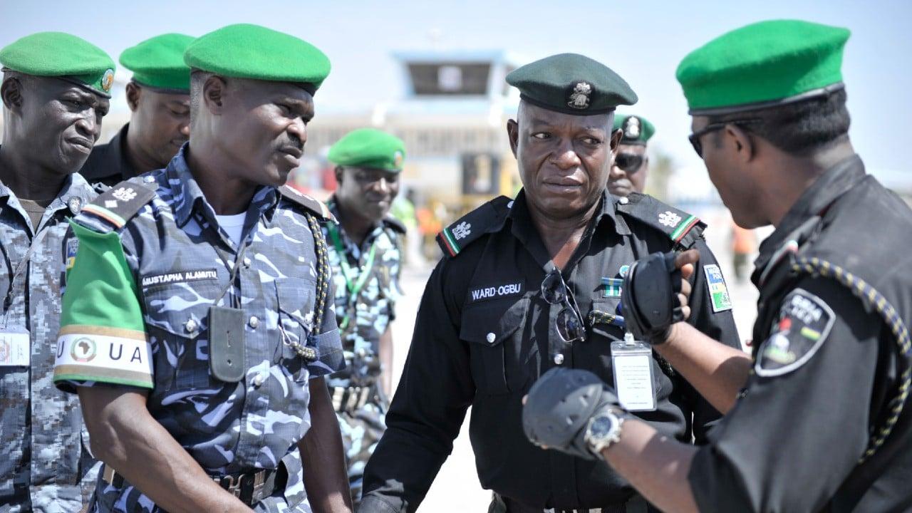 Hombres armados atacan escuela en Nigeria y secuestran a estudiantes