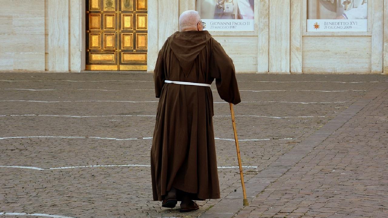 En la iglesia francesa se cometieron 10 abusos sexuales contra menores de edad