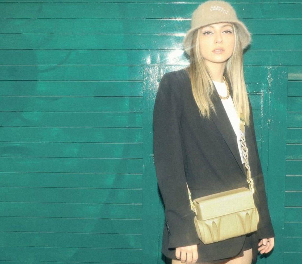 Anna Sarelly bolsas de 5 mil pesos