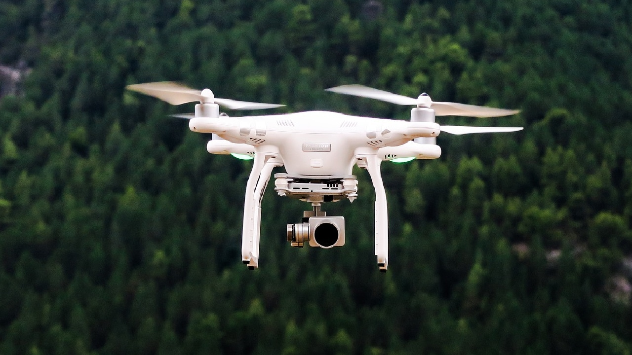 Detuvieron a dos fabricantes de drones con explosivos