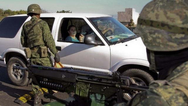 Policías emboscados en Sinaloa por integrantes del narcotráfico
