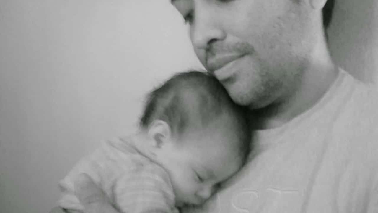 Pareja Gay Adopta Bebé VIH Argentina