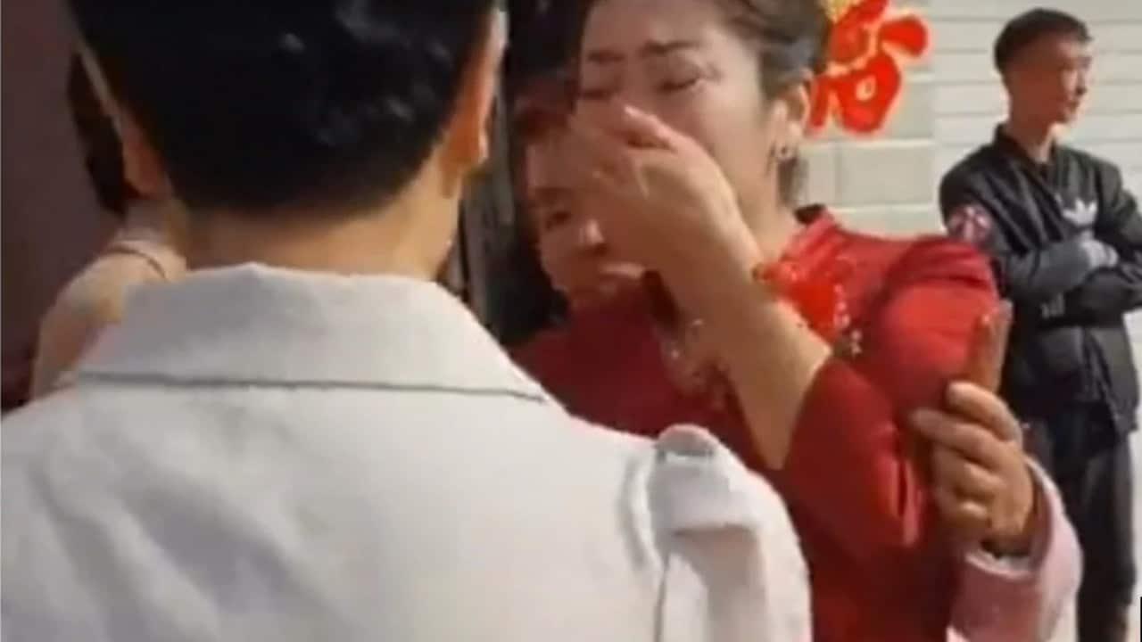 China Madre Descubre Boda Nuera Hija Desaparecida