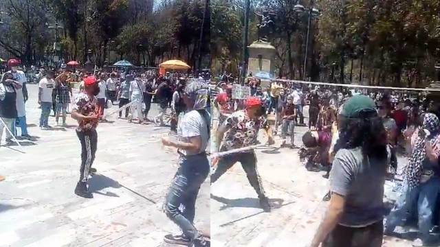 Enfrentamiento Bellas Artes vendedores feministas