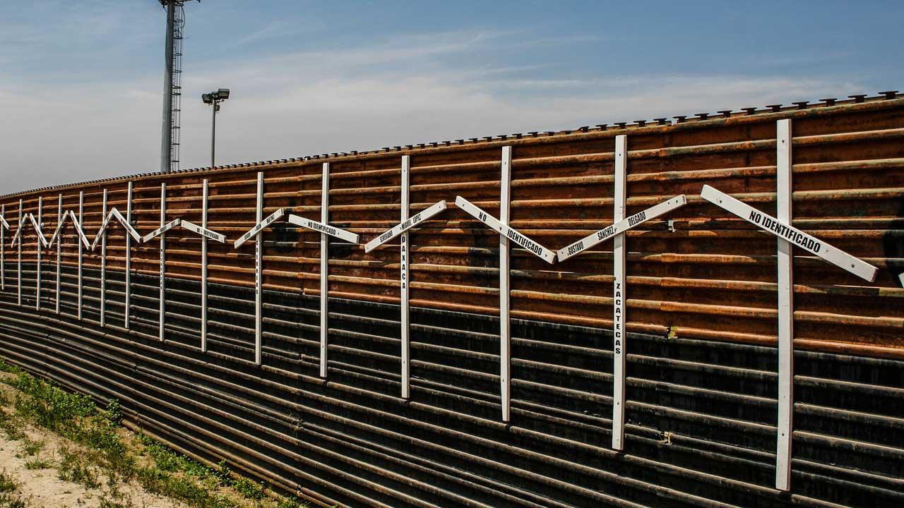 Cancelan Construccion Muro de Trump