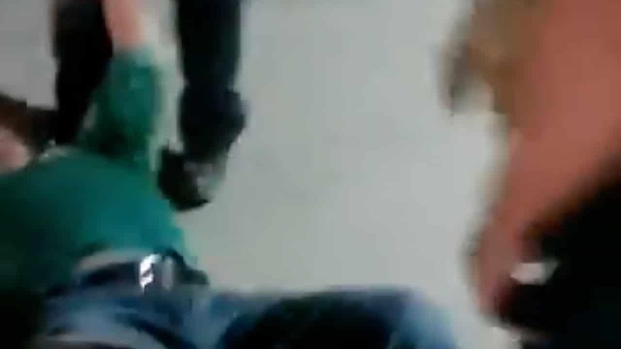 Policías Puerto Vallarta Golpean Hombre Justicia Hija