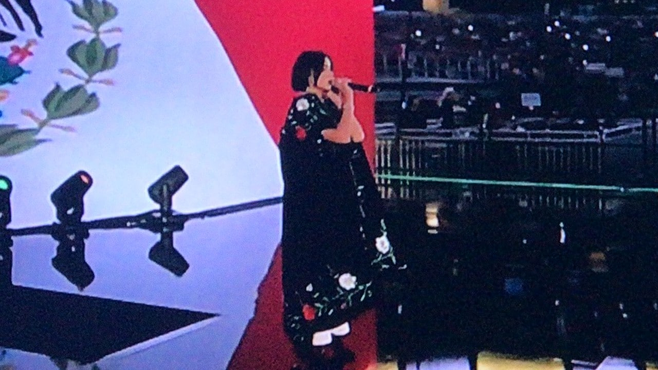 Ángela Aguilar multa Himno Nacional