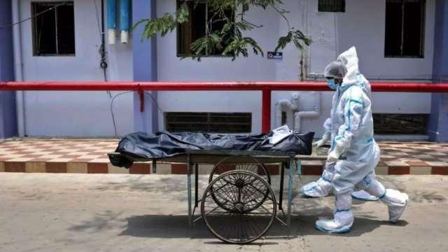India Enfermero viola paciente covid-19