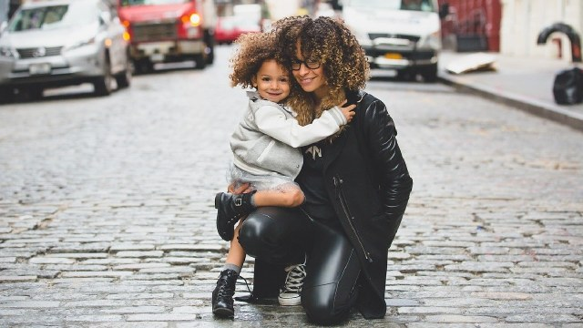 Mujeres son presionada para ser madres
