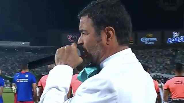 Segob investiga Pablo Montero himno