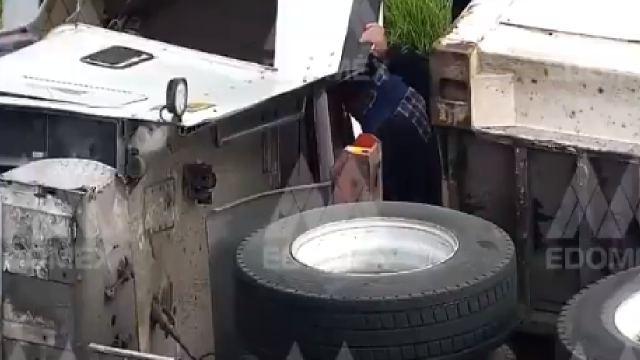Tráiler se derrapó y volcó en Texcoco
