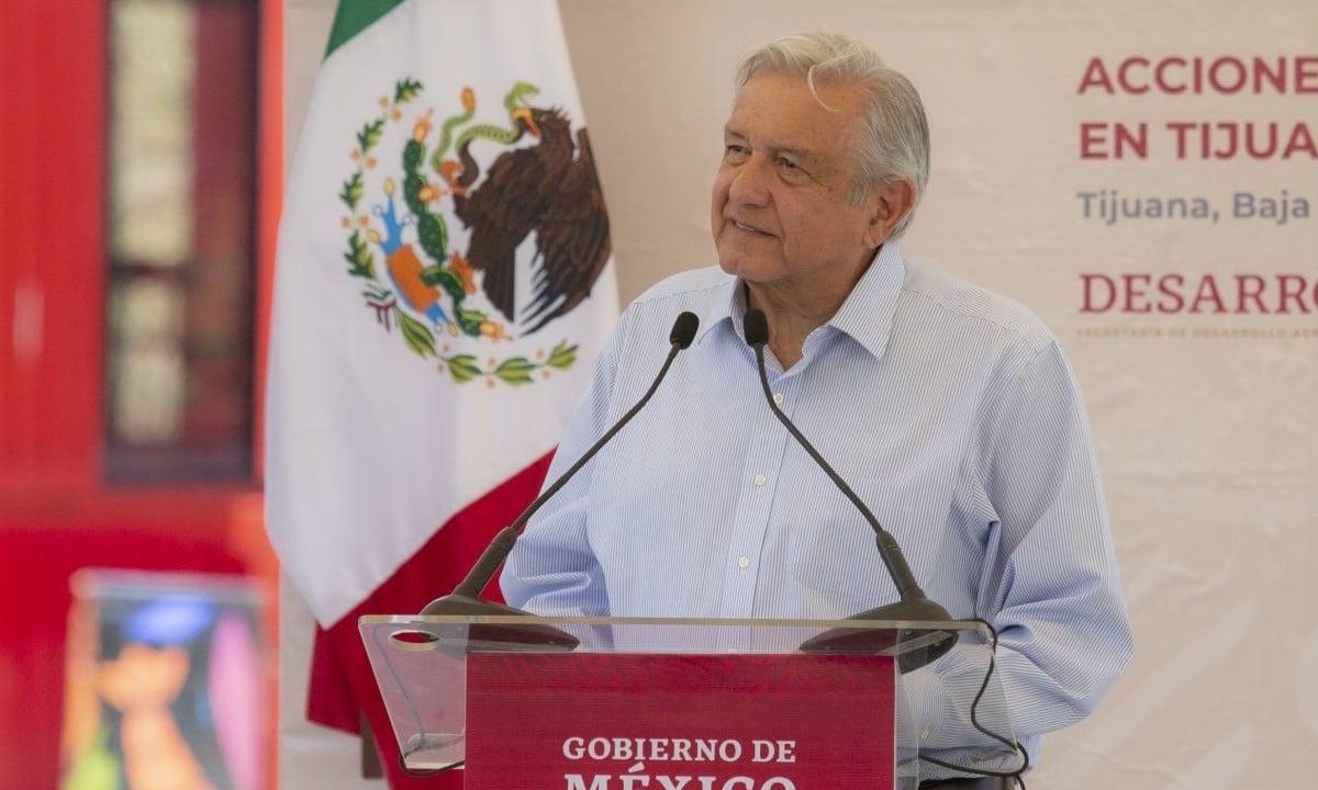AMLO Carros Chocolates Baja California regularización