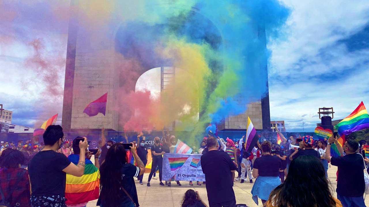 Marcha orgullo LGBT patrimonio cultural CDMX