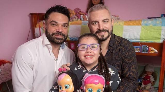 LGBT Padres Adoptan Niña Leucemia Argentina