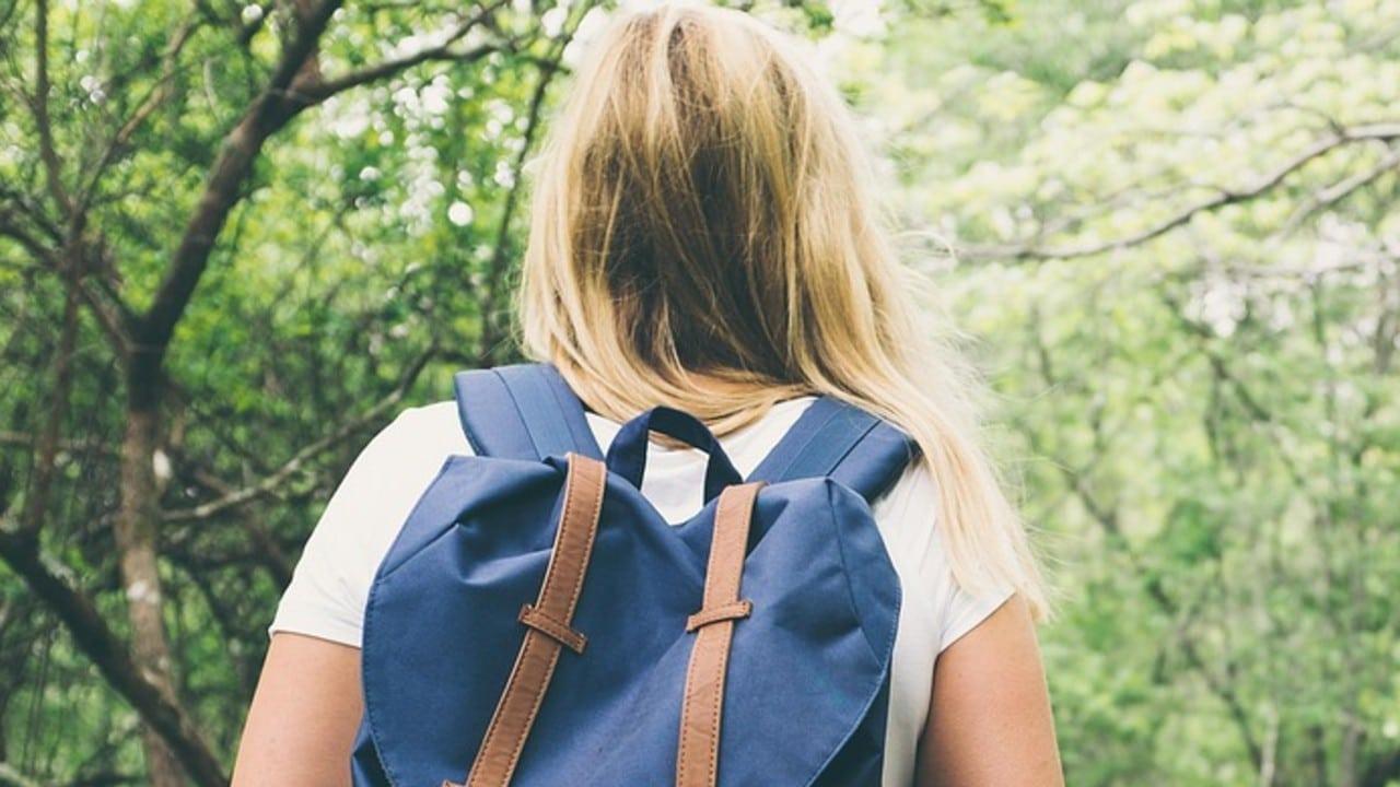 Escuela expulsa alumna vestida top España