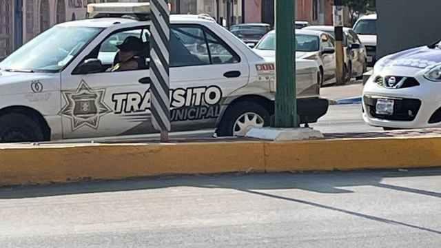 Tránsito Durango Habla Mientras Maneja