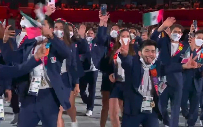 "Cárdenas se quita el cubrebocas en Tokyo 2020; ""quemó a México"", acusan en redes"
