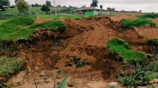 Por construcción de cisterna, se crea nuevo socavón en Puebla