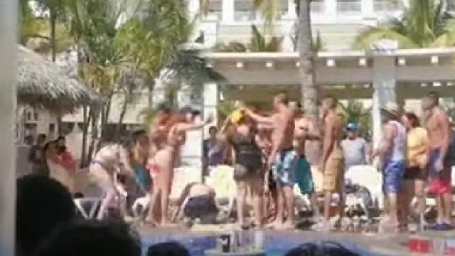 Video pelea turistas en hotel de Mazatlán