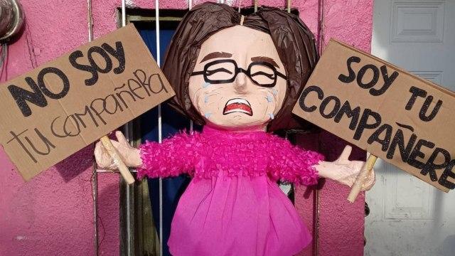 crean piñata 'Compañere' y critican a piñatería Ramírez en Facebook