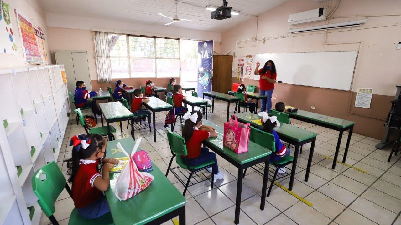 cubrebocas prohibidos por la SEP en este regreso a clases