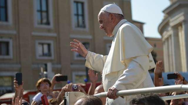 Los informes sobre el uso de aplicaciones para citas gay entre sacerdotes que conmocionó a la Iglesia católica