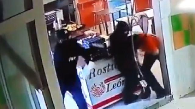 Video secuestraron mujer en rosticería Guanajuato