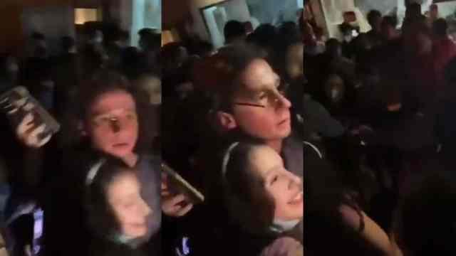 Luisito Comunica se desmaya ante multitud de fans