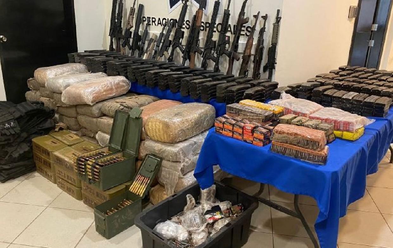 En Tamaulipas detienen a uniformados al servicio del narco, aseguran armamento, cartuchos y droga