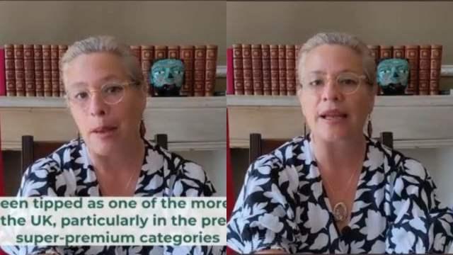 Embajadora Josefa es criticada por forzar su inglés británico