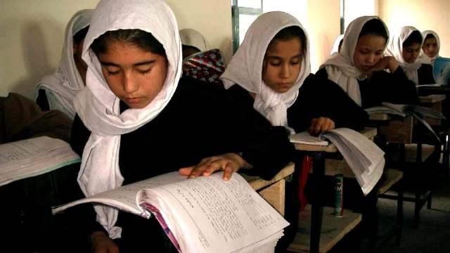 Indignación en Afganistán por la decisión de los talibán de impedir la educación a las niñas
