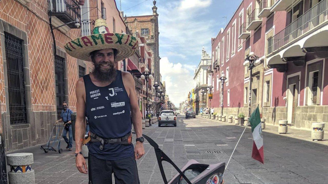 Jonas Deichmann comaprte su camino de Cancún a Campeche