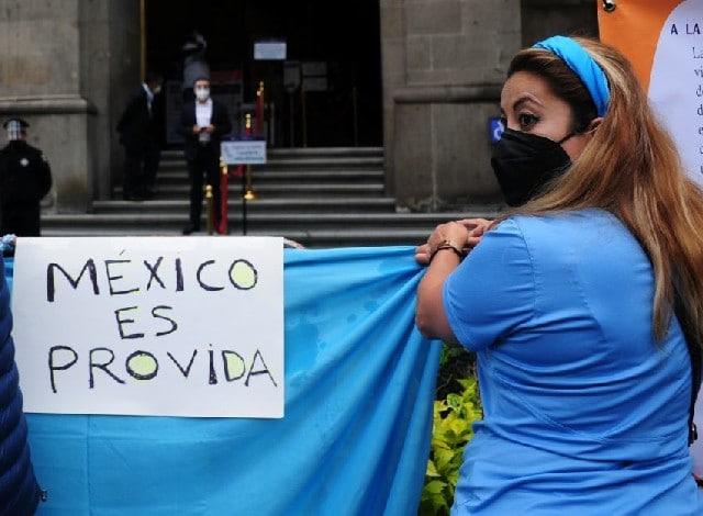 Organizaciones Provida se manifiestan frente a la SCJN contra la despenalización del aborto