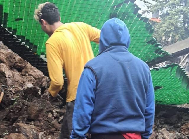 Cerro se desgaja sobre santuario de perros en CDMX