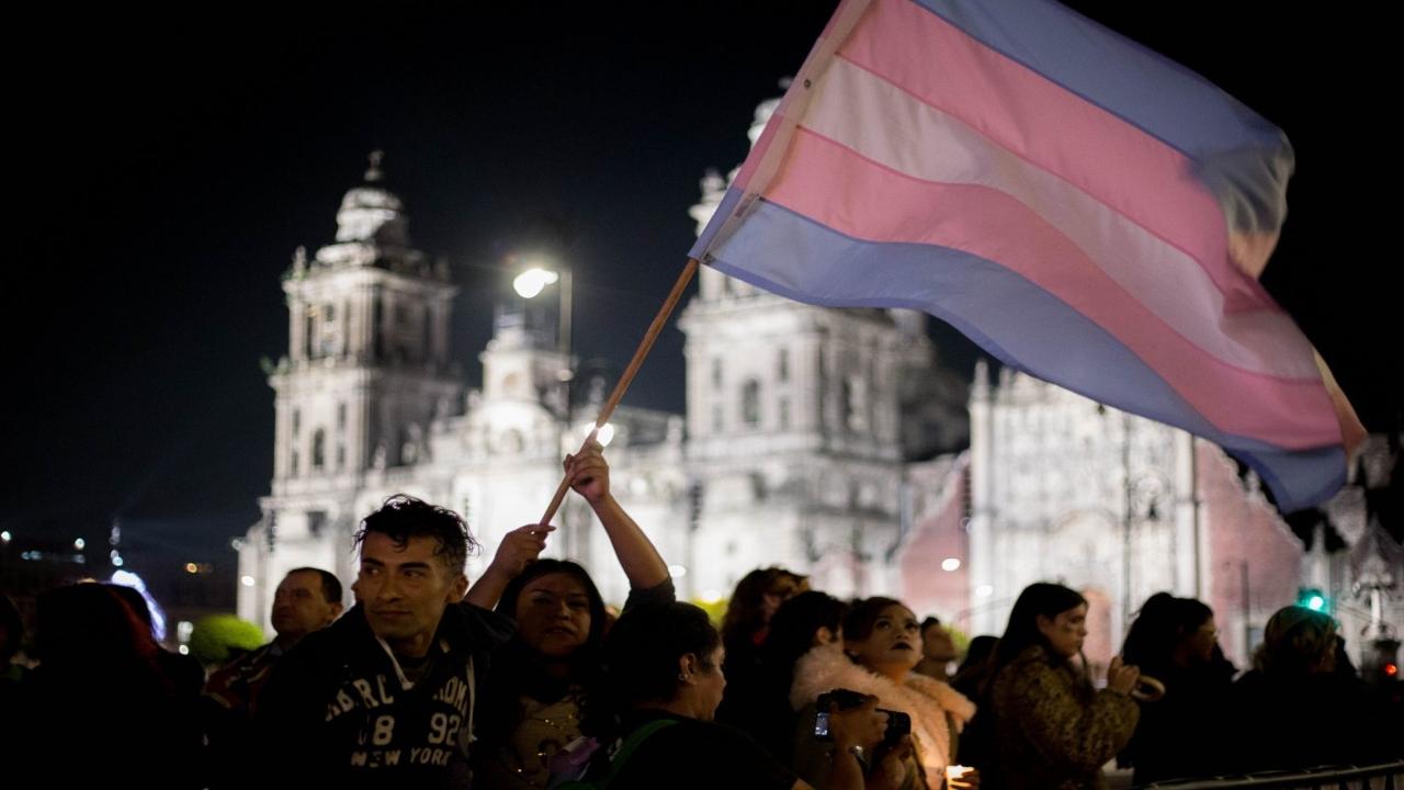Atacan con ácido a una mujer trans y le niegan atención médica