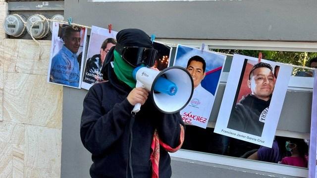 'Patrulla feminista' recorre calles de Oaxaca para denunciar a deudores alimentarios