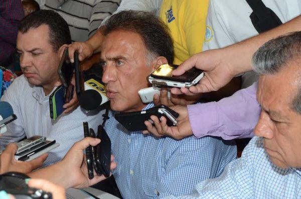Miguel Ángel Yunes Linares candidato a diputado federal en rueda de prensa
